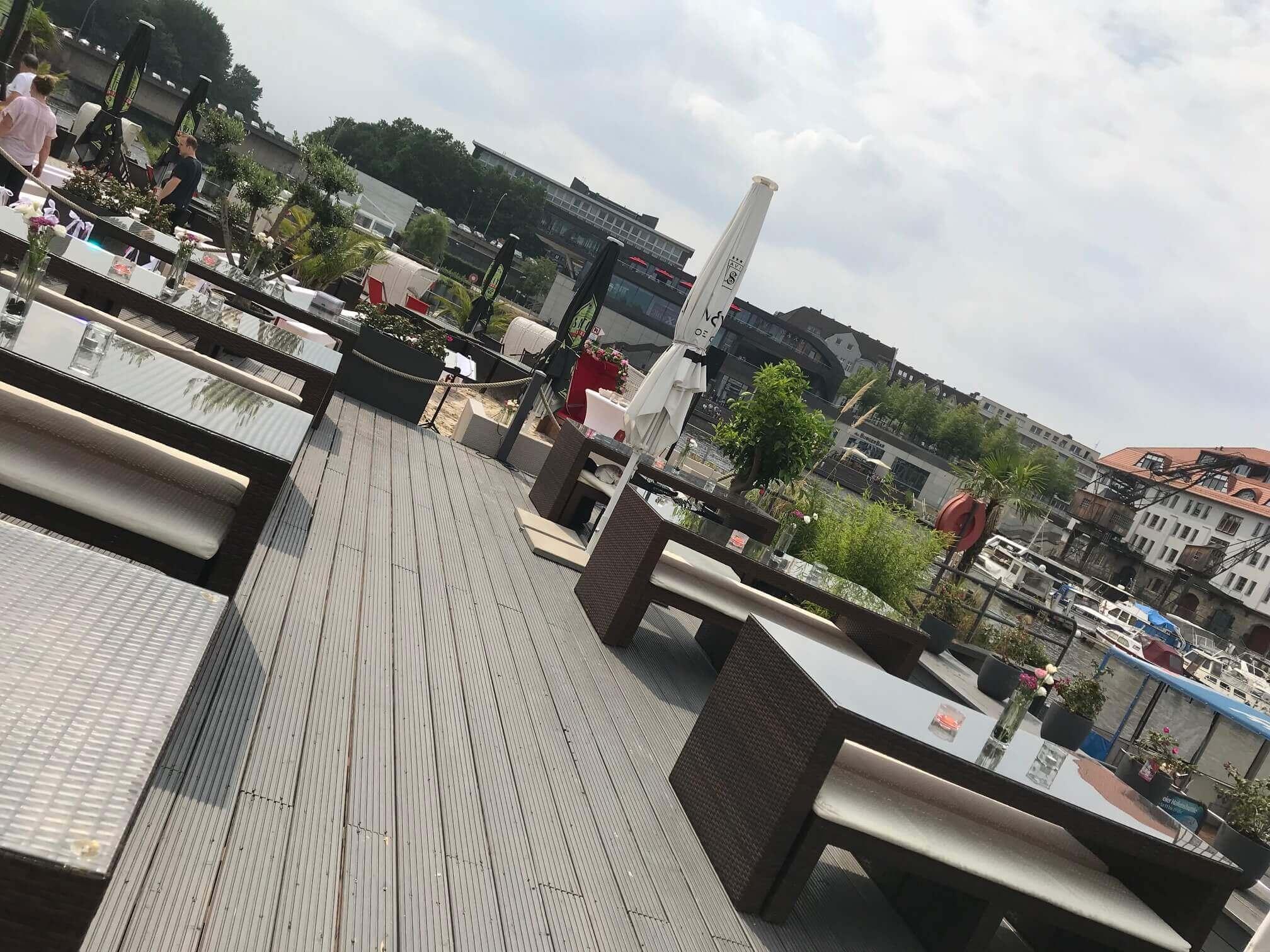 gluecksmarie-freie-trauungen-paare-locations-silvia-stephan-berlin-tempelhofer-hafen-pier-13-3
